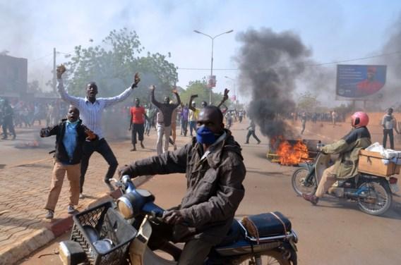 Traangas tegen manifestanten tegen Charlie Hebdo in Niger
