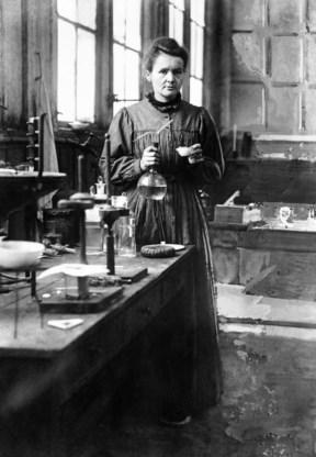 De Oostenrijkse Lise Meitner werd een feministisch icoon nadat haar (mannelijke) supervisor in 1944 aan de haal was gegaan met de Nobelprijs natuurkunde, voor haar werk dat een theoretische verklaring gaf voor kernsplijting.