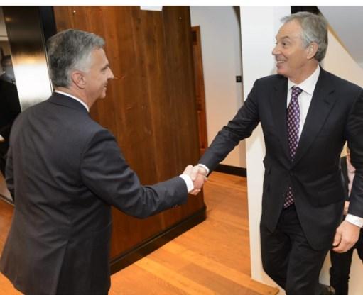 Ook oude sterren zoals Tony Blair (r.) laten zich nog graag vieren in Davos.