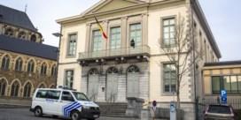 Afwezige bijzitters verantwoorden zich voor rechter