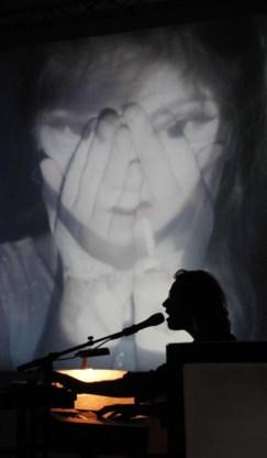 Multi-instrumentalist Fulco Ottervanger: soundtrack vervlecht zich met beeld.