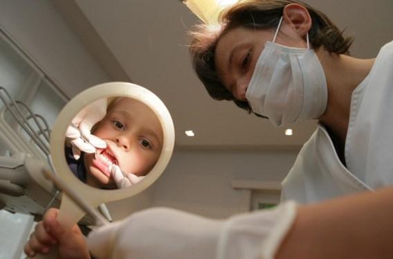 Van de min 18-jarigen zegt 80 procent het voorbije jaar naar de tandarts te zijn gegaan.