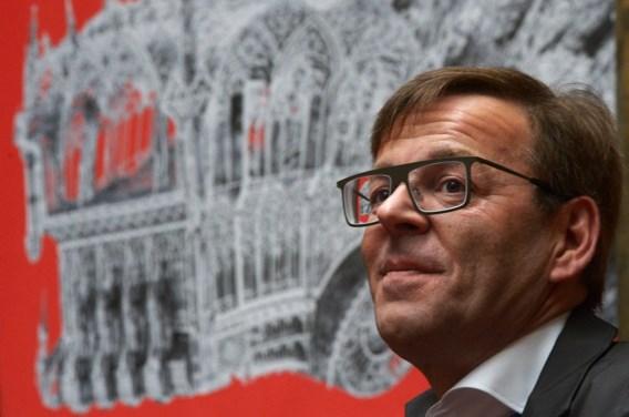 Wim Delvoye krijgt zes maanden cel met uitstel voor bedreigingen