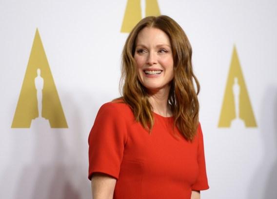 Wat draagt Julianne Moore naar de Oscars?