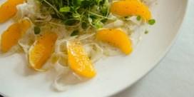 Zeebaars in zoutkorst met venkel-sinaasappelsalade