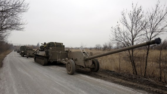 Oekraïense leger trekt zware wapens terug