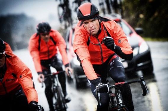 Greg Van Avermaet verkent het parcours van de Omloop Het Nieuwsblad. Of hij ging deelnemen, was vrijdagavond nog niet bekend.
