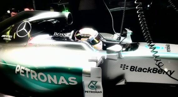 Hamilton snelste in Barcelona, olielek voor McLaren-Honda