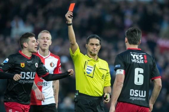 Drievoudige straf blijft in het voetbal, voorstel vierde wissel en videobeelden afgewezen