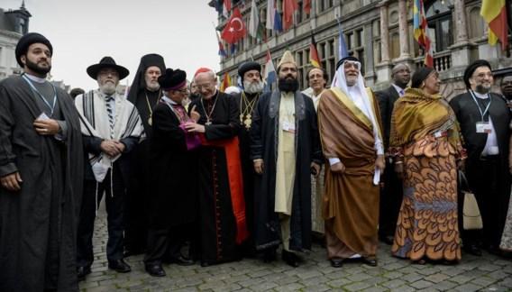 De vertegenwoordigers van de verschillende geloofsovertuigingen kwamen op 9 september al samen voor een 'Gebed voor de vrede'.