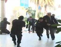 VIDEO. Het einde van de gijzeling in museum Tunis