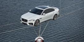 Spectaculaire promostunt onthult nieuwe Jaguar XF