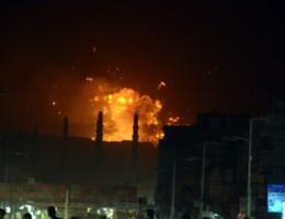 Saoedi-Arabië bombardeert vluchtelingenkamp VN: minstens 40 doden
