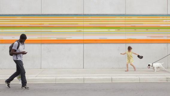 'Kunst in opdracht' behoort voortaan niet meer tot de bevoegdheid van de Bouwmeester. Een van de resultaten van die opdracht is dit 28 meter lange, in 2013 gerealiseerde 'Portret in Speed Disk' van de Zwitserse kunstenares Maya Roos in Aalst.