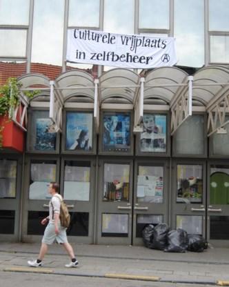 Enkele jaren geleden namen krakers de leegstaande cinema Studio's in.