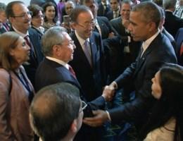 Historische handdruk tussen Obama en Castro