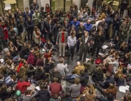 Nederlandse politie omtruimt Maagdenhuis