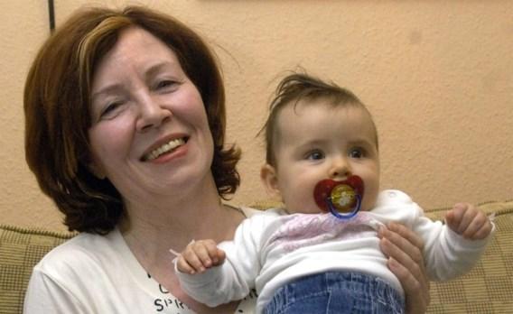 Duitse vrouw van 65 zwanger van vierling