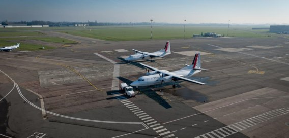 Is er een vergunning nodig voor een parking op de luchthaven of niet?