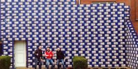 Honderden bakken Duvel barricaderen huis van huwend koppel