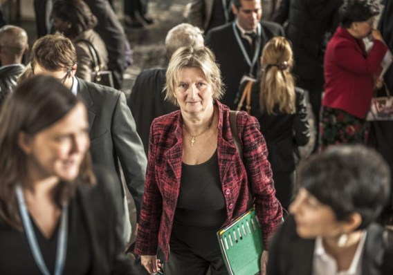 Temmerman in Genève (links), waar ze nu ontslag neemt bij de WHO. Ze verhuist naar Kenia (rechts), waar ze eerder al jarenlang heeft gewerkt.