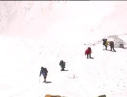 Belgische alpinisten veilig na aardbeving
