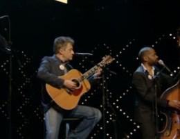 Bart Peeters zingt 'Iedereen is van de wereld' voor Thé Lau