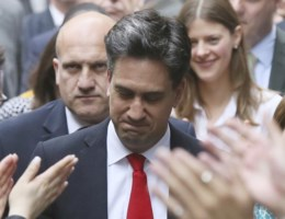 Miliband neemt ontslag: 'Sorry dat ik faalde'