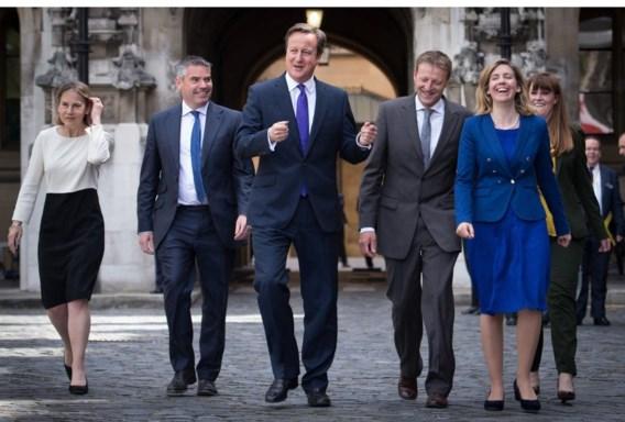 Premier David Cameron viert de overwinning van de Conservatieven.