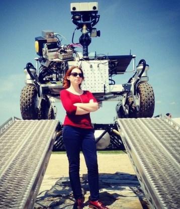 Een van de vele Twitterfoto's: 'I with Mars rovers'.