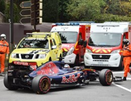 Max Verstappen ongedeerd na zware crash in Monaco