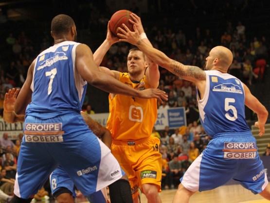 Oostende op één zege van basketbaltitel na logische overwinning tegen Bergen