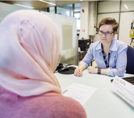 Tine Platteeuw is coördinatrice van de Cel Sofia, die het UZ Gent oprichtte om alle mogelijke drempels naar medische zorg weg te nemen.