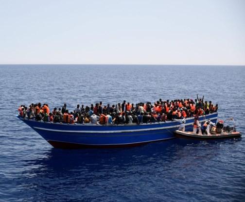 Europa verklaart de oorlog aan mensensmokkelaars, maar houdt intussen wel de eigen grenzen potdicht.