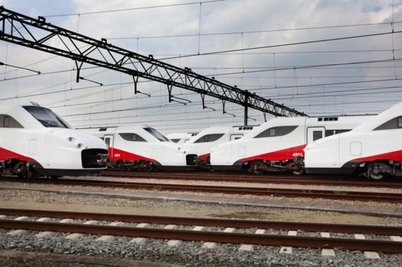 Volgens het Nederlandse CDA-kamerlid Madeleine van Toorenburg heeft het Fyra-project zeker 10,8 miljard euro gekost. Een fors bedrag voor een trein die uiteindelijk niet reed.