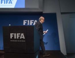 Sepp Blatter stapt op als Fifa-voorzitter