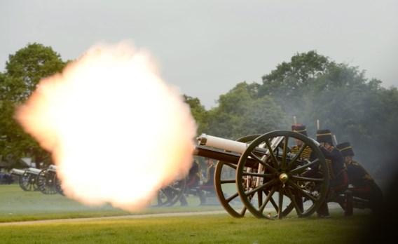Kanonschoten voor 62ste troonjubileum koningin Elizabeth II