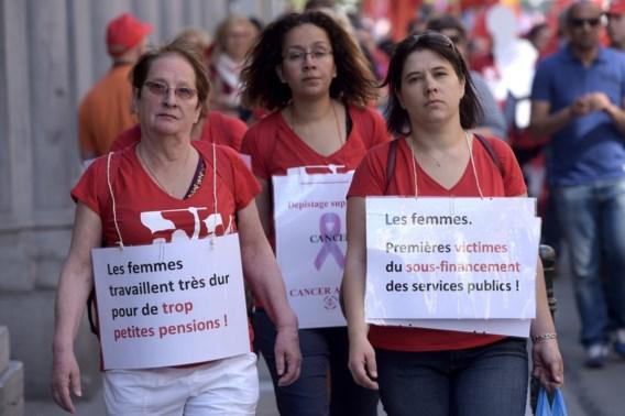 Bijna 2.000 vakbondsvrouwen eisen meer respect van regering-Michel