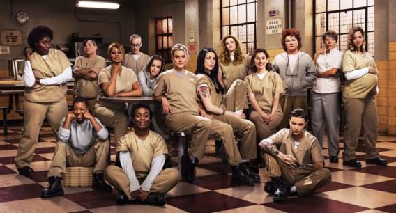 Taylor Schilling (de blonde centraal): 'In een gevangenis kan je je niet verbergen. Je bent bloot, zowel fysiek als psychologisch.' Laverne Cox is de vierde van links.