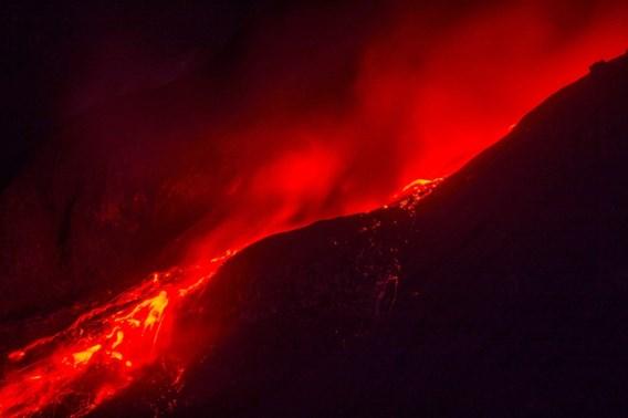Vulkaan jaagt duizenden Indonesiërs uit hun huis