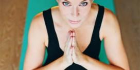 Vijf yogadilemma's voor Evy Gruyaert