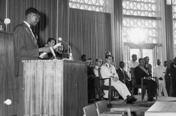 Leopoldstad, 30 juni 1960: premier Patrice Lumumba houdt op de onafhankelijkheidsceremonie de toespraak waarmee hij koning Boudewijn (m.) duidelijk maakte dat niet België maar Congo nu aan zet was.