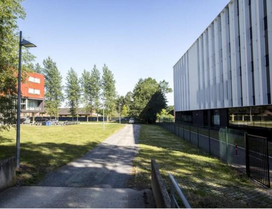 Aan de achterkant van de huidige UCLL-gebouwen komt de nieuwe vestiging.