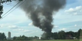 Grote brand in loods van afvalverwerkend bedrijf