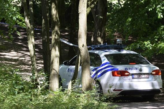 Man doodgeschoten in bos Waterloo
