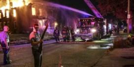 Rellen in St. Louis na dood zwarte jongeman