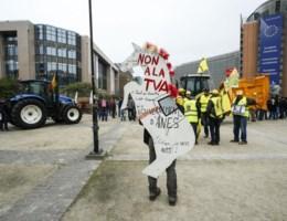 Sfeer in Brussel grimmig, vier agenten gewond