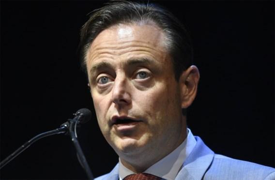 De Wever: vluchtelingenkamp is 'extreemlinkse activistenpost'
