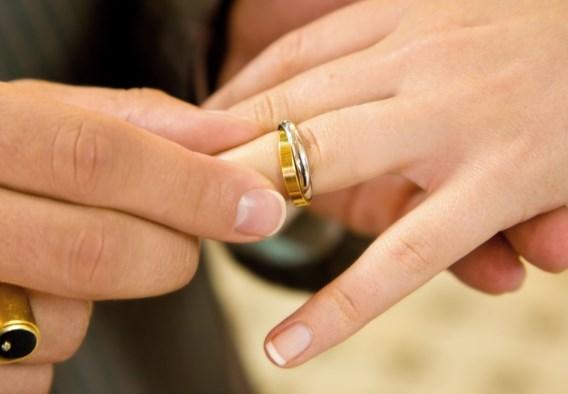 Franse ambtenaar veroordeeld omdat ze twee vrouwen weigerde te trouwen