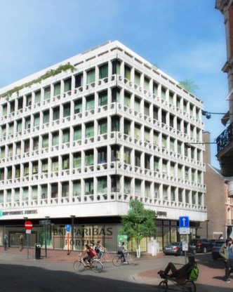Het gebouw krijgt ook aan de buitenkant een opfrisbeurt.